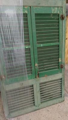 15K24756 GREEN SHUTTER WINDOW.jpg