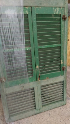 15K24756 GREEN SHUTTER WINDOW.jpg