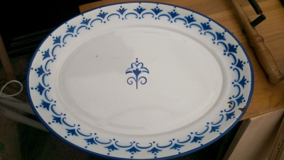 15K24764 BLUE AND WHITE PLATE.jpg