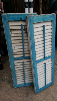 15K24780 PAIR OF BLUE AND WHITE SHUTTERS.jpg